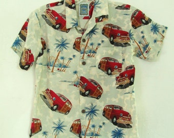 A Boy's AWESOME Vintage 90's RAYON HAWAIIAN Style Shirt By Ocean Current.M