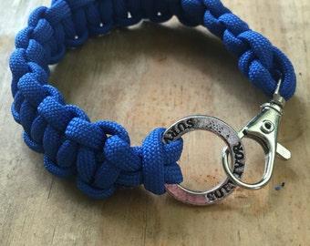 Paracord bracelet keychain wrap