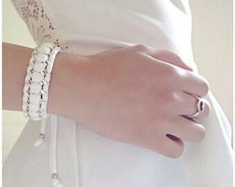 Aluminium chain bracelet and triple weaving in lycra