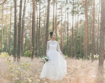 Lana / / wedding dress bridal gown of lace vintage boho / / light & lace wedding dress