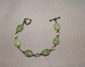 Korean apple green jade, semi-precious stone, natural stone, relaxing and calm stone