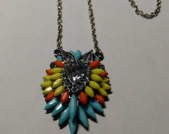 Colorful pendent necklace