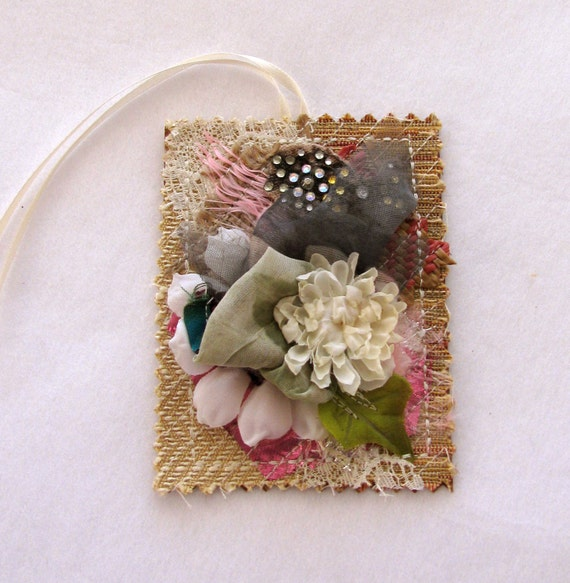 Artistic Tags Cards, Embellished Tag, Art Collage Tags, Decorated Tags, Gift Tags, Gift Wrapping, Fiber Art Tags