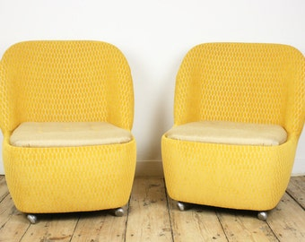 Club chair yellow accent chair upcycled furniture velvet fauteuil vintage mid century chair golden lounge chair spring home colorful seat