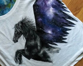 Hand painted short t'shirt witg pegasus horse