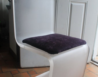 Vintage Lucite  Frosted -Z- Side Or Desk  Chair.