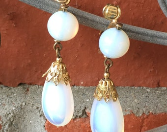 Old Vintage Gold-Tone And Opalescent Moonstone Napier Clip On Dangle Earrings 1772