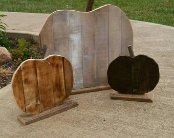 Pumpkins made from reclaim wood