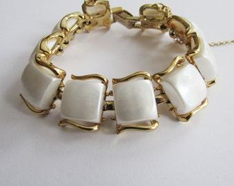 Vintage Coro Pegasus White Moon Glow Plastic Bracelet