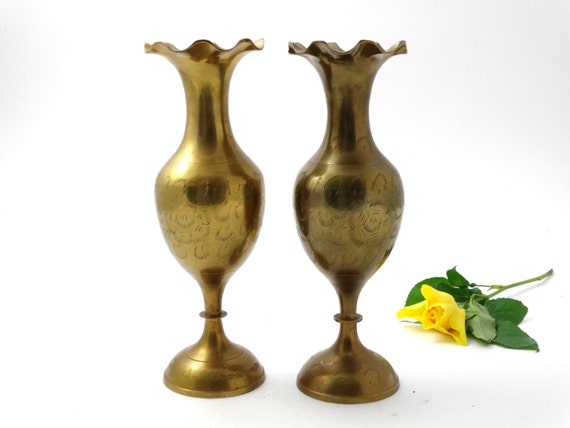 vintage brass vase indian brass vase indian brass flower. Black Bedroom Furniture Sets. Home Design Ideas