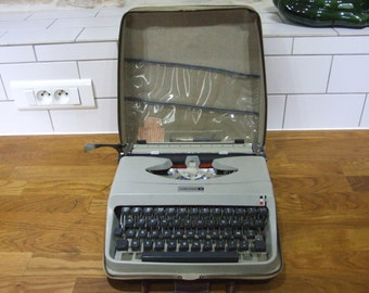 Working Underwood Typewriter // Underwood 18 Typewriter //