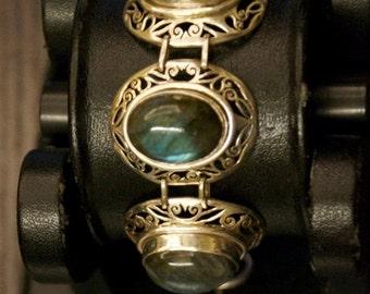 ON SALE Charming Labradorite Silver Bracelet