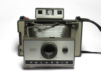 Vintage Polaroid 320 Land Camera