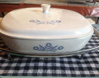 Vintage (c.1960s) Corning | Corning Ware Cornflower Blue covered casserole + metal serving trivet. Oven to table ware.