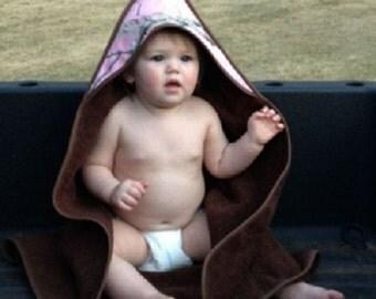 Monogrammed Hooded Towel, Monogrammed Baby Hooded Towel, Hooded Towel, Monogrammed Infant Hooded Towel, Camo Hooded Towel - HT01