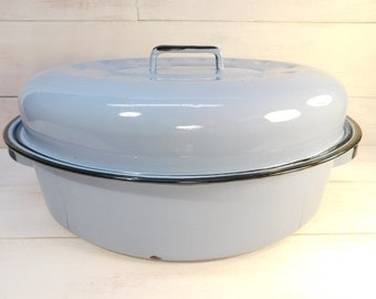 Vintage Robins Egg Blue Enamelware Roaster with Lid, Farmhouse Kitchen, Enamel Cookware