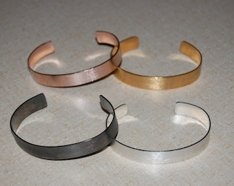 Glitiret Cuff Bracelets