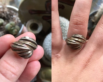 Vintage Native American Sterling Silver Ring - Ring Size 7 1/4 - Layered Ring