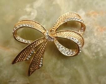 Vintage Gold Bow Brooch, Gold Ribbon Brooch, 1980s Bow Brooch, Gold Diamante Crystal Brooch