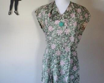 Vintage 1950's Floral Dress / 50s Day Dress M