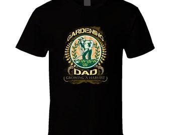 Gardening Dad t-shirt. Gardening Dad tshirt. Gardening Dad tee for him. Gardening gift idea as Gardening Dad gift. Great Gardening tee