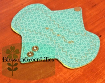 """6"""" Flannel Light Cloth Pad with Wings"""