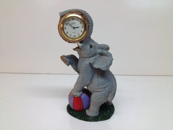Unique Standing Elephant Desk Clock Vintage Circus Elephant
