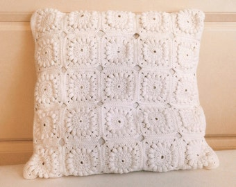 Crochet square pillow-white