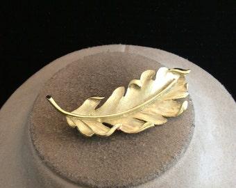 Vintage Large Goldtone Leaf Pin