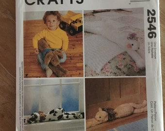 2546 McCall's Crafts Lounge Around Pets Sewing Pattern P224
