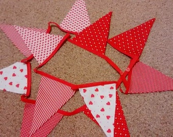 2.5m of Red and White Bunting ideal for Valentines Day