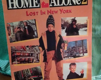 Home Alone 2 Lost in New York Colouring and Puzzle Softcover Book