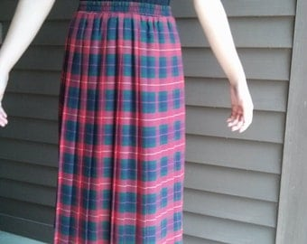Vintage Mid-Length Red/Green Pleated Plaid Skirt