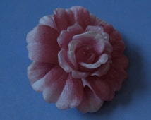 PIN GES GESCH / jeweler's gift box / 40's pin / brooch celluloid: pine flower celluloid / jewelry vintage 40's /germany