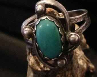 Vintage Southwest Turquoise Sterling Ring