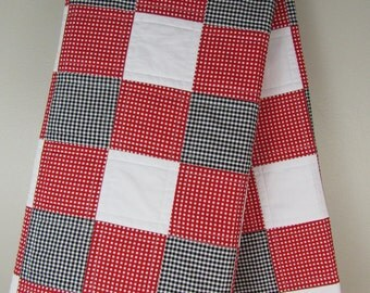 University of Georgia Quilt - Gingham Quilt - Red Black and White Quilt - UGA Baby Quilt