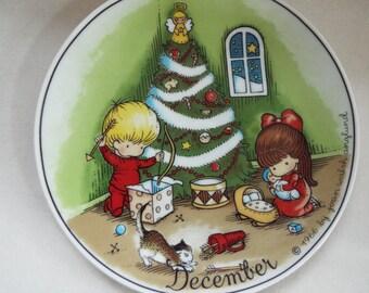 Joan Walsh Anglund 1966 Christmas December plate