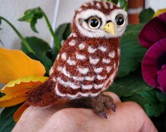Needle Felted owl. Needle felted bird. Owl soft sculpture. Felt bird. Needle felted animal. Art doll.