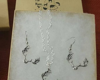 Deer antler necklace and earring set.