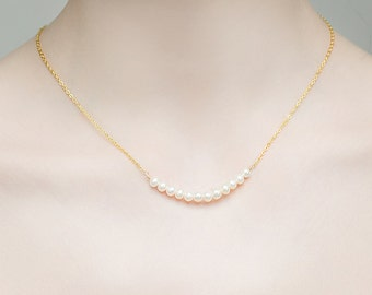 Gold Pearl necklace, wedding necklace, bridal necklace, Bridesmaid gift, Dainty necklace, Simple necklace, Pearl necklace.
