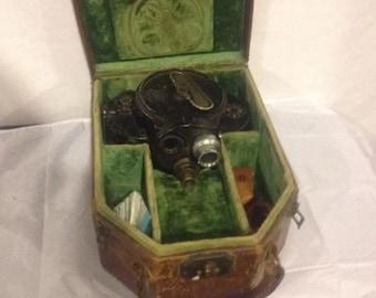 vintage BELL & HOWELL FILMO 70-D 16mm camera