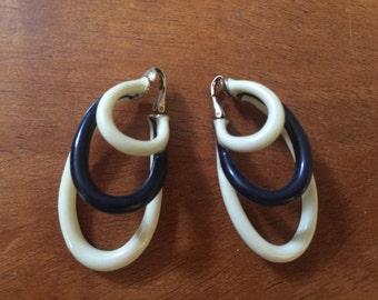 """Vintage Cinch Earrings Costume Jewelry 2.5"""" Black White Oval Hoop"""