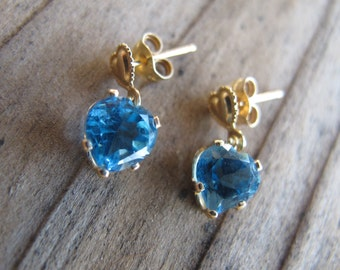 14k Gold Blue Topaz Earrings