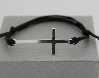 Bracelet homme et femme croix metal avec cordon ajustable