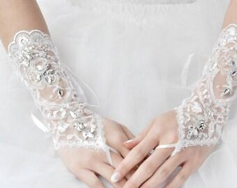 Wedding Gloves, Lace Gloves, Fingerless Gloves, bridal gloves,Bridesmaids Gloves, Bride gloves, Rhinestones Fingerless Gloves, LC14013