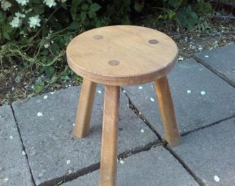 Round wood stool