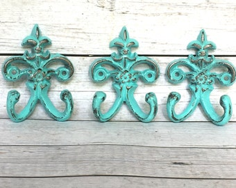 Shabby Chic Key Hook - Turquoise/ or Choose Color - Entryway Wall Hooks - Wall Key Holder - Shabby Chic Decor - Fleur de Lis Wall Decor