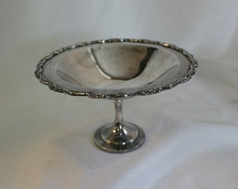 Silver Pedestal dish, Vintage Silver candy dish, Card dish, footed compote, nut dish, Oneida, Rustic Wedding Decor, Table Decor,
