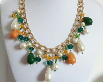 Necklace with natural stones, jade green and orange and pearls