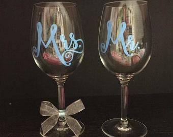 Mr & Mrs Wine Glass Set